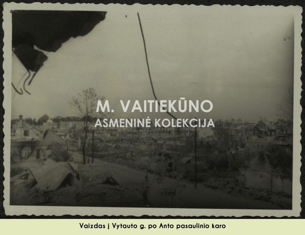 karo nuotrauka, be aprašo ir datos 2