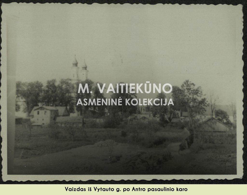 karo nuotrauka, be aprašo ir datos 3